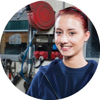 Lehrlinge und ehemalige Lehrlinge aus der Metalltechnischen Industrie erzählen von ihren Erfahrungen.